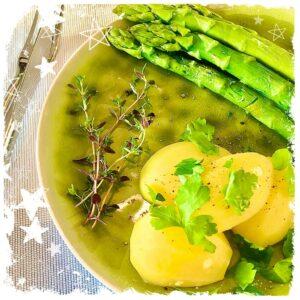 Grüner Spargel mit Petersilienkartoffeln Rezept