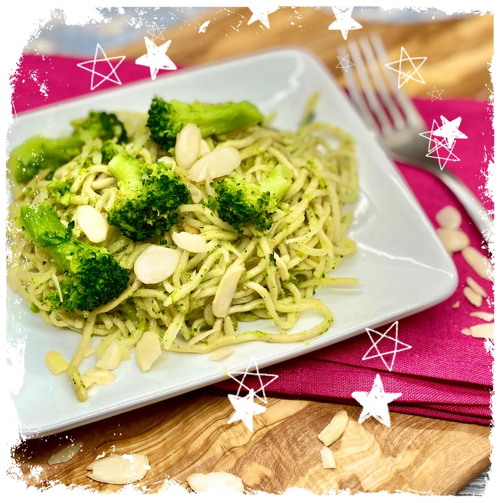 Nudeln mit Brokkoli und Mandelbutter Rezept