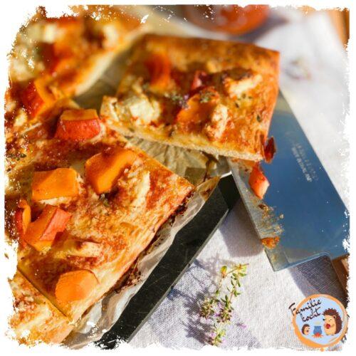 Pizza mit Hokkaidokürbis und Feta (Die leckerste Kürbispizza)