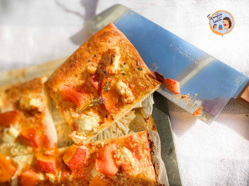 Pizza mit Hokkaidokürbis und Feta 3