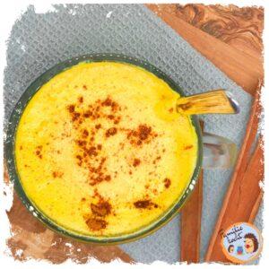 Goldene Milch (Kurkuma Latte) - Cremig, würzig, einfach lecker!
