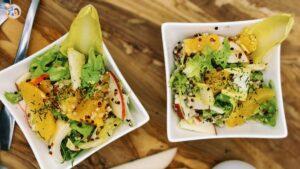 Chicoreesalat mit Apfel und Quinoa