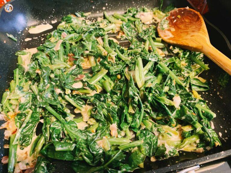 Vegetarische Maultaschen in Spinat