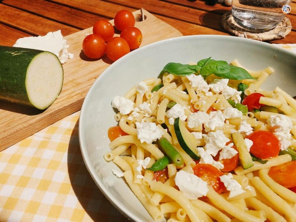 Mediterrane Zucchininudeln Rezept